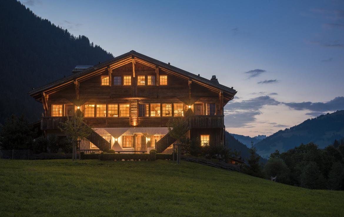 Kings-avenue-gstaad-sauna-hammam-childfriendly-parking-kids-playroom-games-room-gym-fireplace-cinema-plunge-pool-area-gstaad-004-25