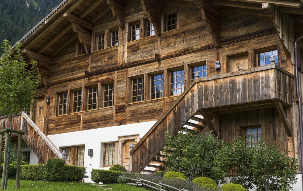 Kings-avenue-gstaad-sauna-hammam-childfriendly-parking-kids-playroom-games-room-gym-fireplace-cinema-plunge-pool-area-gstaad-004-3
