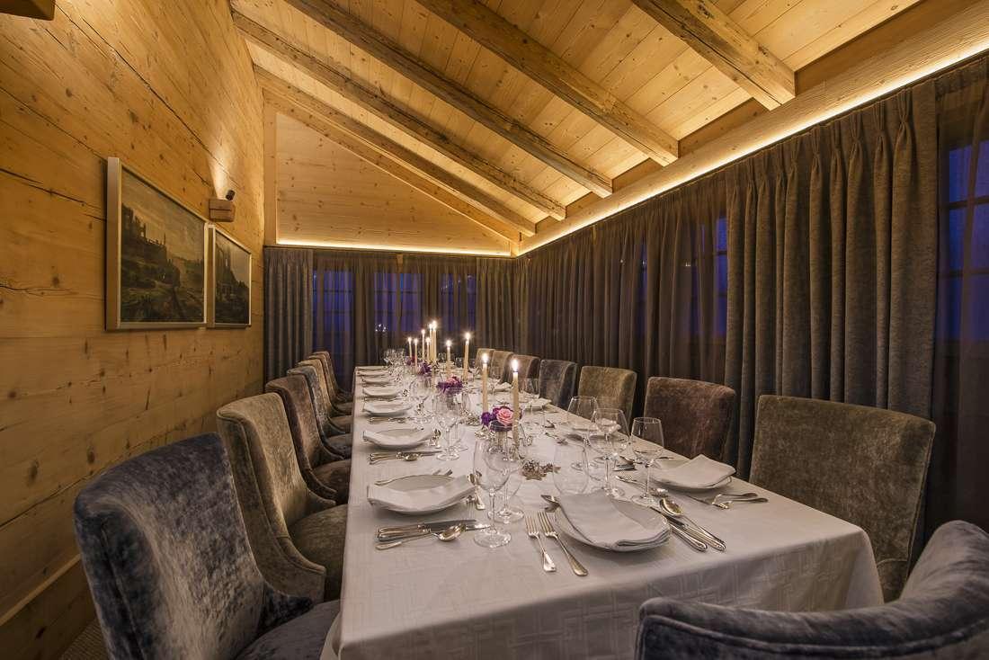 Kings-avenue-gstaad-sauna-jacuzzi-childfriendly-parking-cinema-gym-fireplace-gardens-area-gstaad-002-11