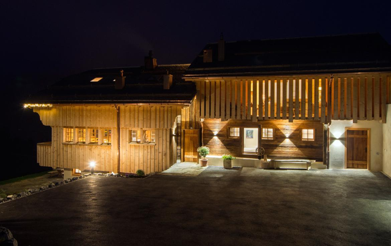 Kings-avenue-gstaad-sauna-jacuzzi-childfriendly-parking-cinema-gym-fireplace-gardens-area-gstaad-002-29