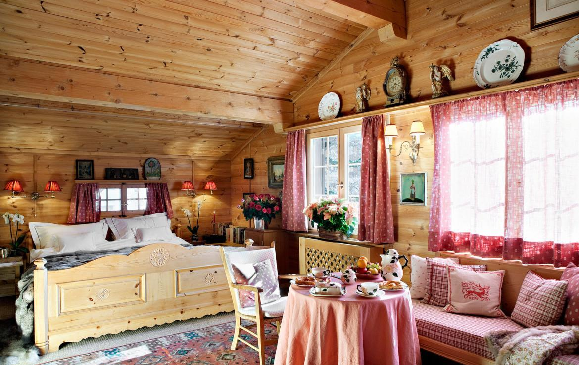 Kings-avenue-klosters-wifi-satellite-sauna-jacuzzi-parking-fireplace-gym-games-dvd-sledges-terraces-balconies-private-garden-area-klosters-004-12