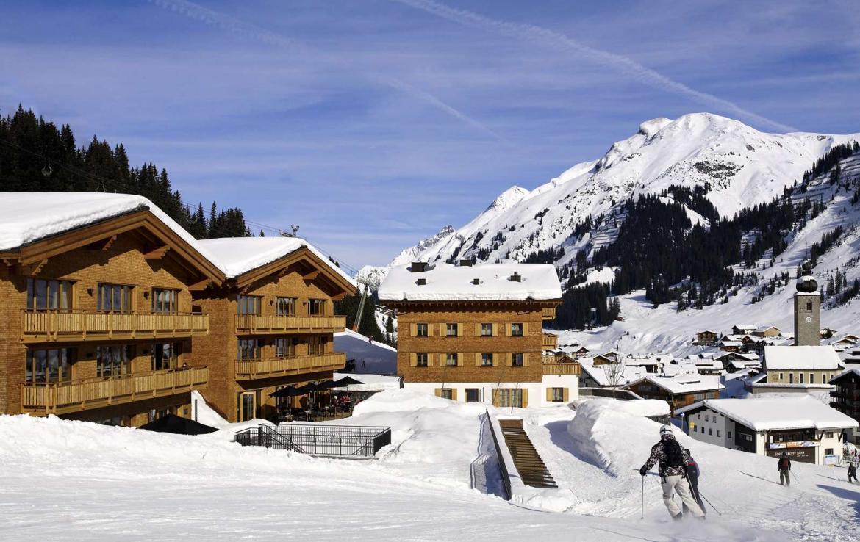 Kings-avenue-lech-sauna-jacuzzi-hammam-swimming-pool-parking-cinema-boot-heaters-fireplace-ski-in-ski-out-area-lech-002-2