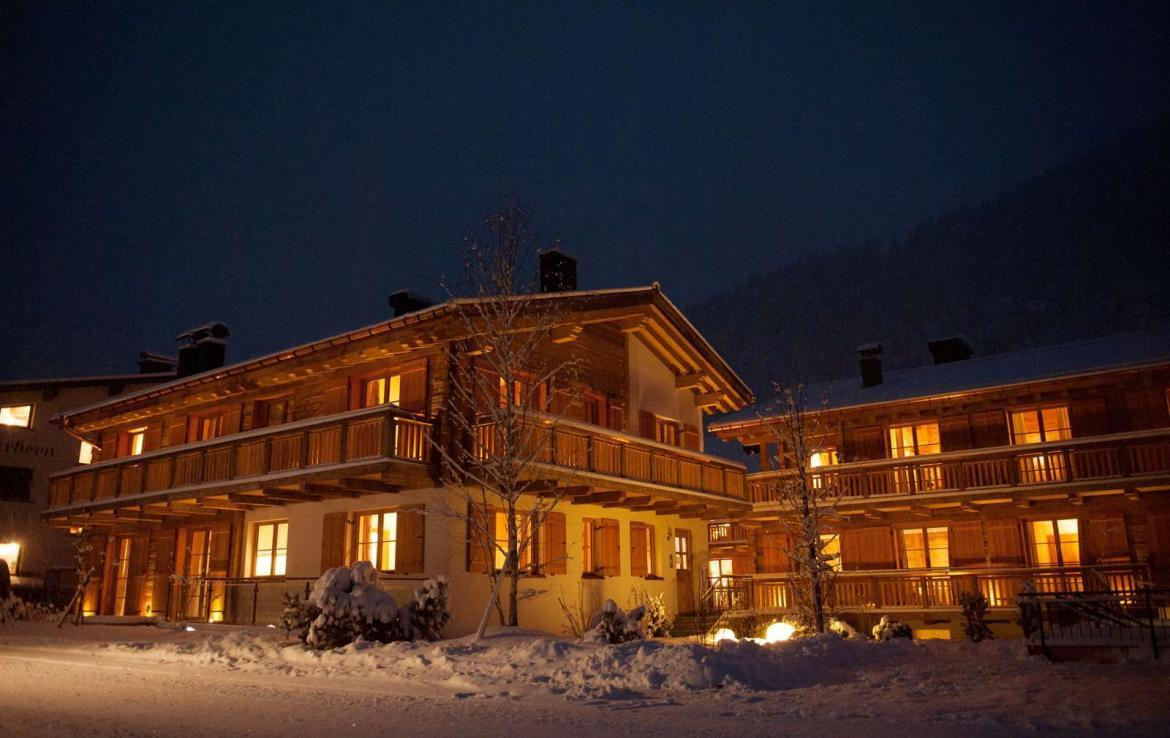 Kings-avenue-lech-snow-sauna-covered-parking-boot-heaters-ski-in-ski-out-massage-room-area-lech-008-2