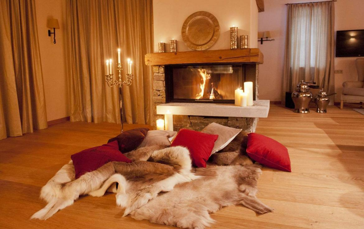 Kings-avenue-lech-snow-sauna-covered-parking-boot-heaters-ski-in-ski-out-massage-room-area-lech-008-5