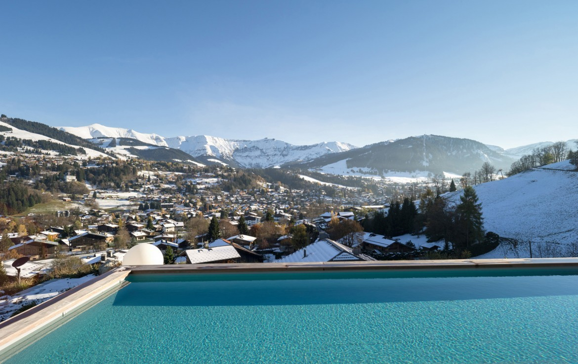 Kings-avenue-mégeve-snow-sauna-hammam-swimming-pool-childfriendly-parking-cinema-kids-playroom-games-room-boot-heaters-ski-in-ski-out-lift-wine-cellar-gym-area-mégeve-001-7
