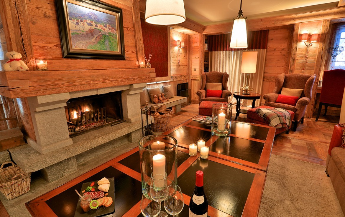 Kings-avenue-méribel-snow-jacuzzi-hammam-childfriendly-parking-fireplace-skin-in-ski-out-terrace-cinema-gym-massage-room-beauty-therapie-room-area-méribel-010-8