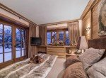 Kings-avenue-méribel-snow-sauna-hammam-swimming-pool-childfriendly-cinema-kids-playroom-games-room-fireplace-spa-ski-room-boot-heaters-terrace-garden-area-méribel-005-17