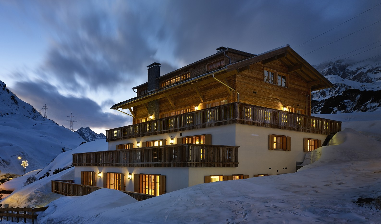 Kings-avenue-st-anton-snow-sauna-hammam-childfriendly-cinema-fireplace-ski-in-shared-pool-spa-south-facing-balconies-area-st-anton-007