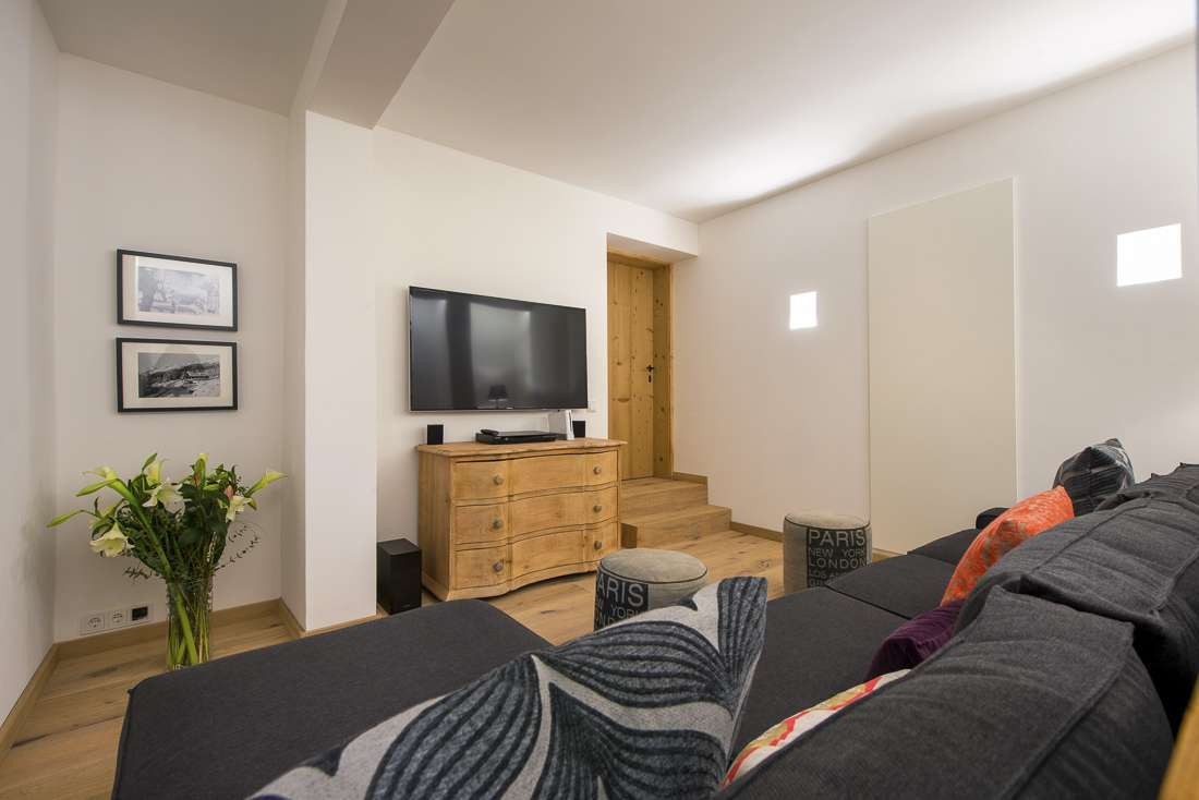 Kings-avenue-st-anton-snow-tv-wifi-tv-hifi-childfriendly-parking-boot-heaters-fireplace-cinema-area-st-anton-003-23