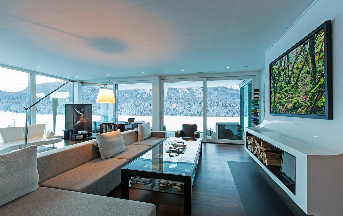 Kings-avenue-st-moritz-snow-tv-wifi-indoor-jacuzzi-childfriendly-covered-parking-fireplace-area-st-mortiz-005-6