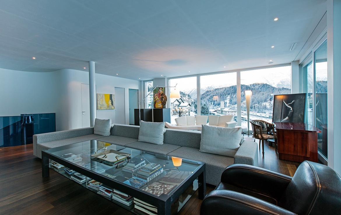 Kings-avenue-st-moritz-snow-tv-wifi-indoor-jacuzzi-childfriendly-covered-parking-fireplace-area-st-mortiz-005-7