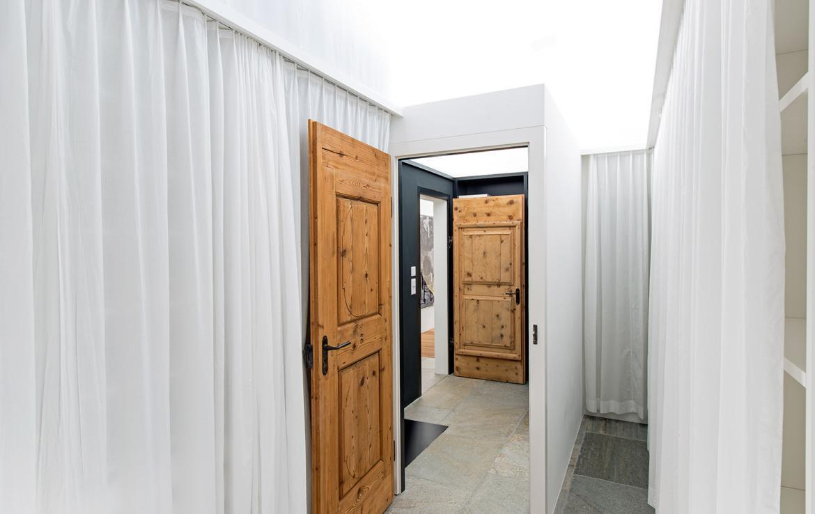 Kings-avenue-st-moritz-snow-wifi-childfriendly-covered-parking-kids-playroom-games-room-gym-boot-heaters-fireplace-welness-hammam-area-st-mortiz-002-12