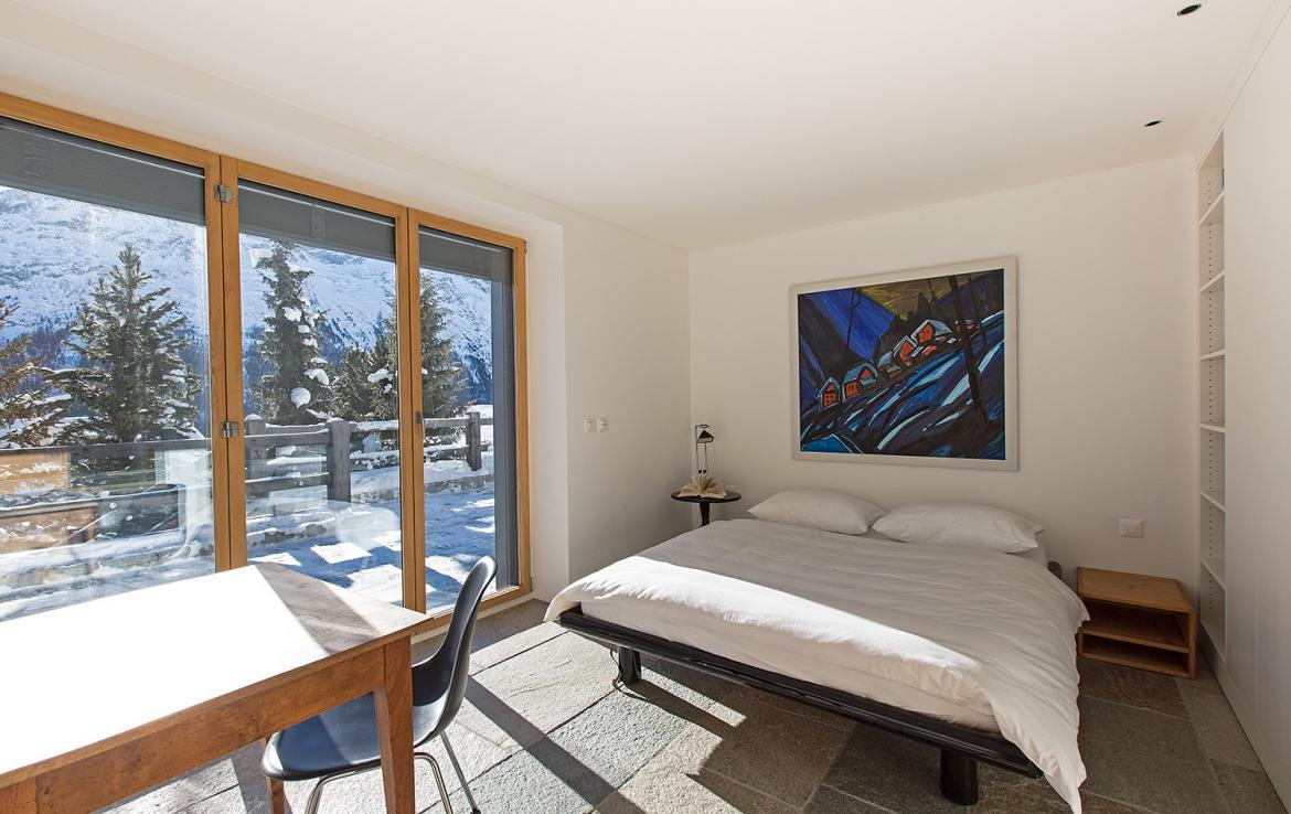 Kings-avenue-st-moritz-snow-wifi-childfriendly-covered-parking-kids-playroom-games-room-gym-boot-heaters-fireplace-welness-hammam-area-st-mortiz-002-24