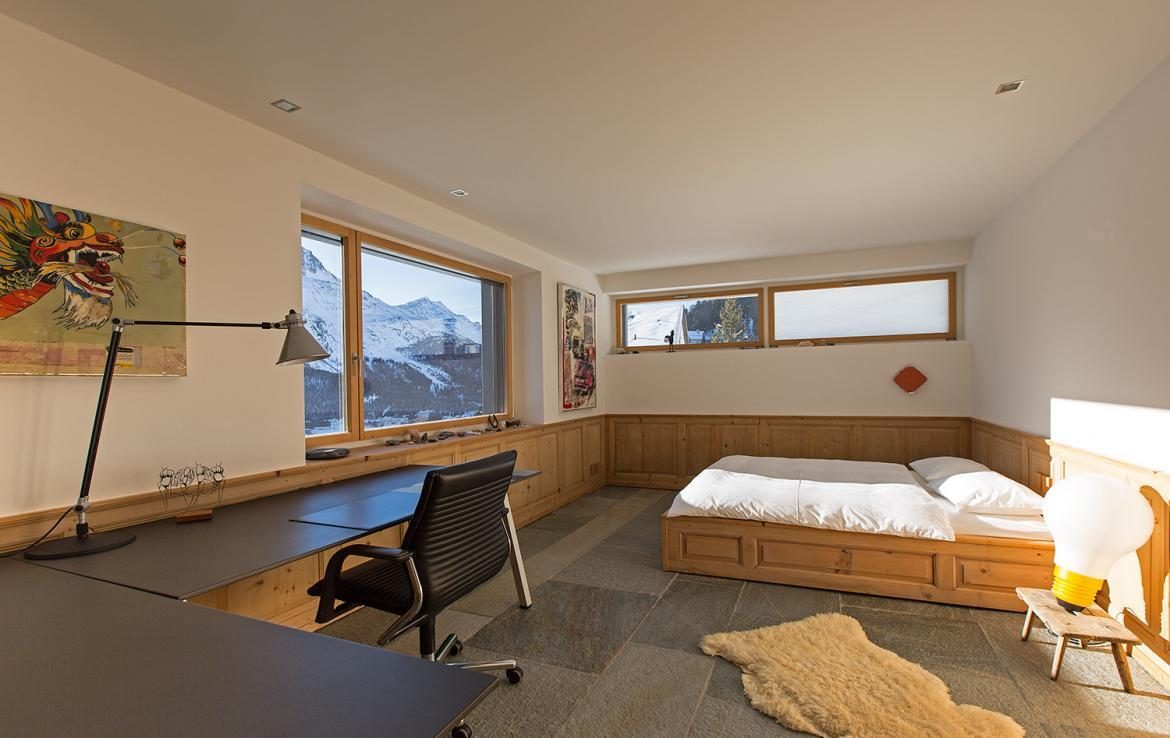 Stylish chalet on top of st moritz for Fitness 19 kids room
