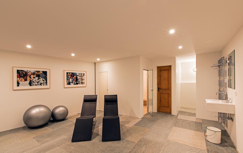 Kings-avenue- St-moritz-wifi-childfriendly-`parking-kids-playroom-games-room-gym-fireplace-wellness-area-hammam-area-st-moritz-002-21