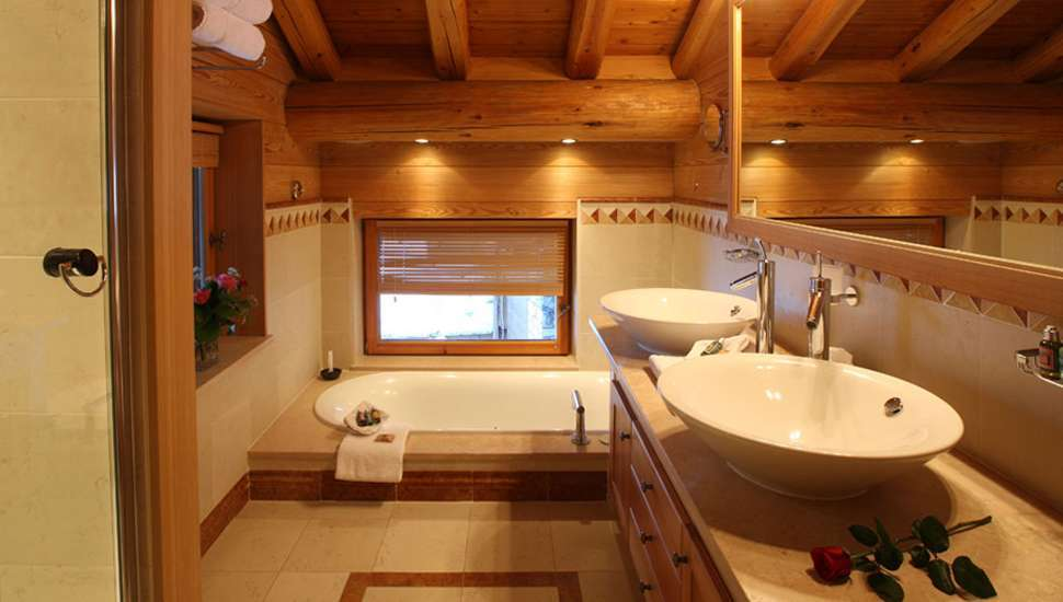 Kings-avenue-val-disere-snow-chalet-hammam-boot-heaters-ski-in-ski-out-terrace-parking-wine-cellar-val-disere-022-11