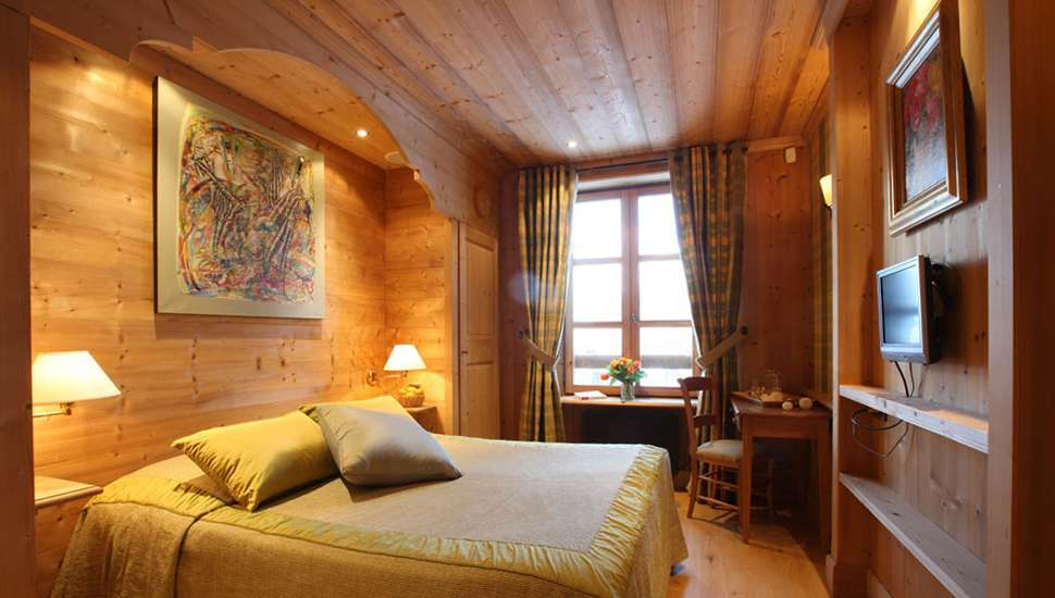 Kings-avenue-val-disere-snow-chalet-hammam-boot-heaters-ski-in-ski-out-terrace-parking-wine-cellar-val-disere-022-12
