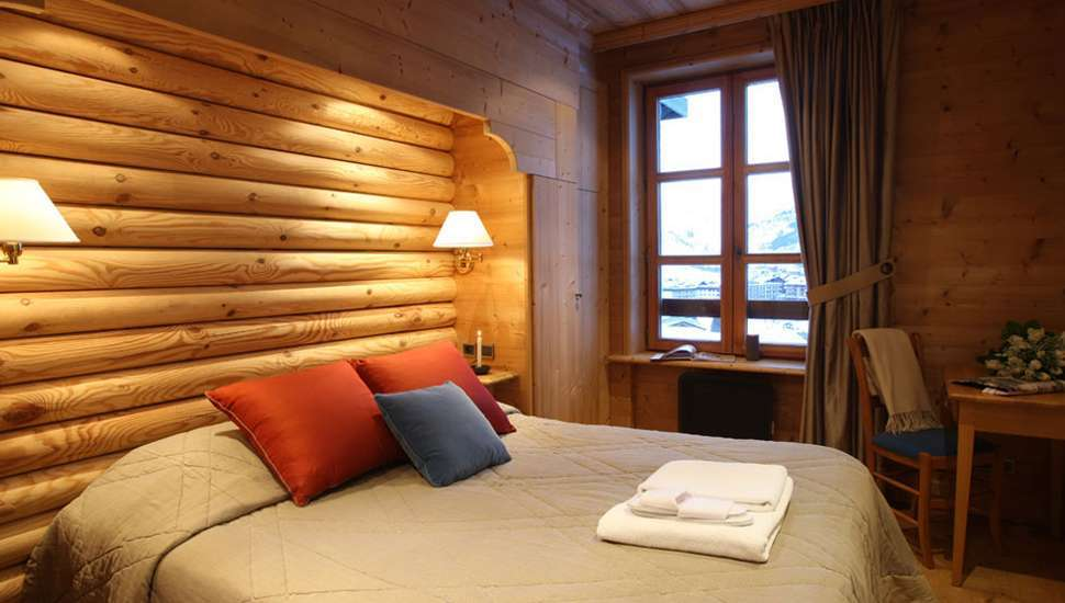 Kings-avenue-val-disere-snow-chalet-hammam-boot-heaters-ski-in-ski-out-terrace-parking-wine-cellar-val-disere-022-14