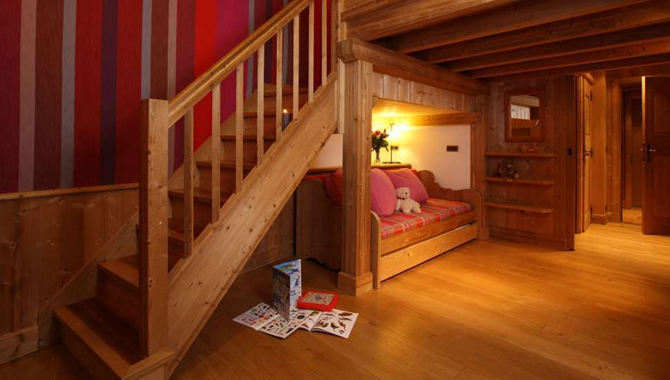 Kings-avenue-val-disere-snow-chalet-hammam-boot-heaters-ski-in-ski-out-terrace-parking-wine-cellar-val-disere-022-15