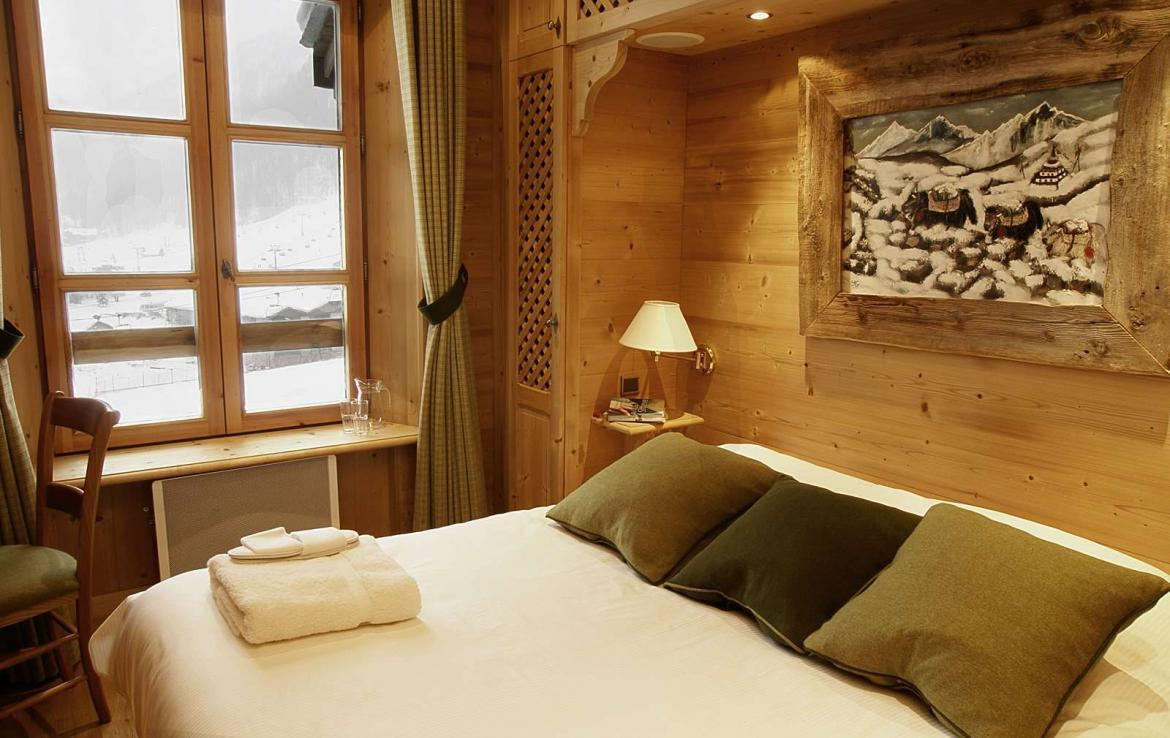 Kings-avenue-val-disere-snow-chalet-hammam-boot-heaters-ski-in-ski-out-terrace-parking-wine-cellar-val-disere-022-16