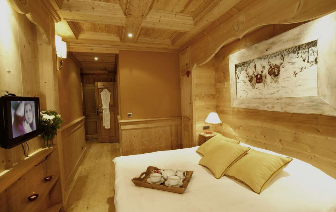Kings-avenue-val-disere-snow-chalet-hammam-boot-heaters-ski-in-ski-out-terrace-parking-wine-cellar-val-disere-022-17