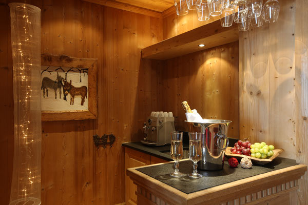 Kings-avenue-val-disere-snow-chalet-hammam-boot-heaters-ski-in-ski-out-terrace-parking-wine-cellar-val-disere-022-9