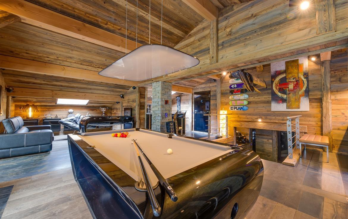 Kings-avenue-val-disere-snow-chalet-sauna-childfriendly-study-fireplace-games-room-parking-val-disere-025-12