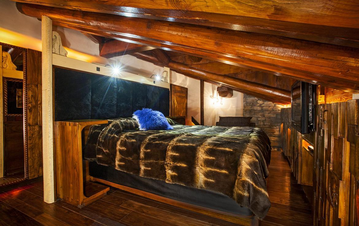 Kings-avenue-val-disere-snow-chalet-sauna-hammam-parking-ski-in-ski-out-fireplace-wellness-area-val-disere-019-12