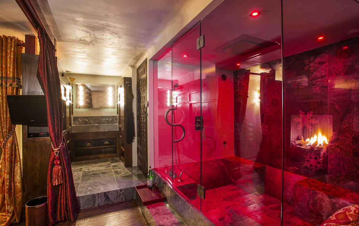 Kings-avenue-val-disere-snow-chalet-sauna-hammam-parking-ski-in-ski-out-fireplace-wellness-area-val-disere-019-13