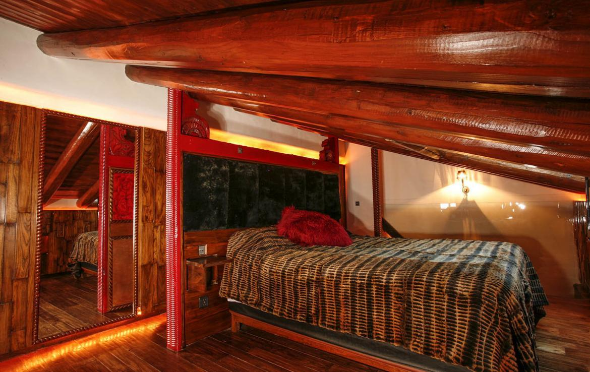 Kings-avenue-val-disere-snow-chalet-sauna-hammam-parking-ski-in-ski-out-fireplace-wellness-area-val-disere-019-14