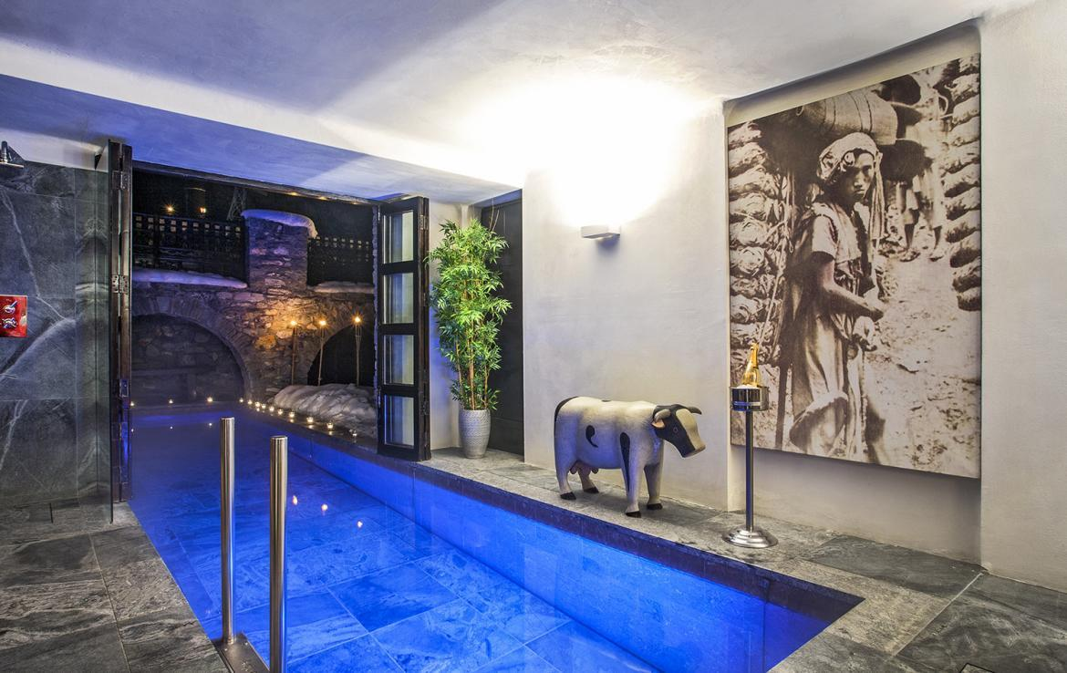 Kings-avenue-val-disere-snow-chalet-sauna-hammam-parking-ski-in-ski-out-fireplace-wellness-area-val-disere-019-2
