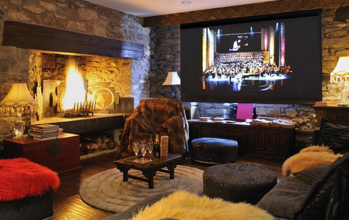 Kings-avenue-val-disere-snow-chalet-sauna-hammam-parking-ski-in-ski-out-fireplace-wellness-area-val-disere-019-4