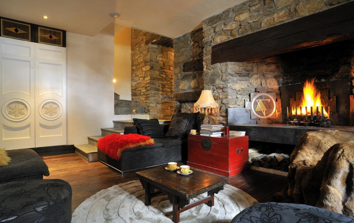 Kings-avenue-val-disere-snow-chalet-sauna-hammam-parking-ski-in-ski-out-fireplace-wellness-area-val-disere-019-5