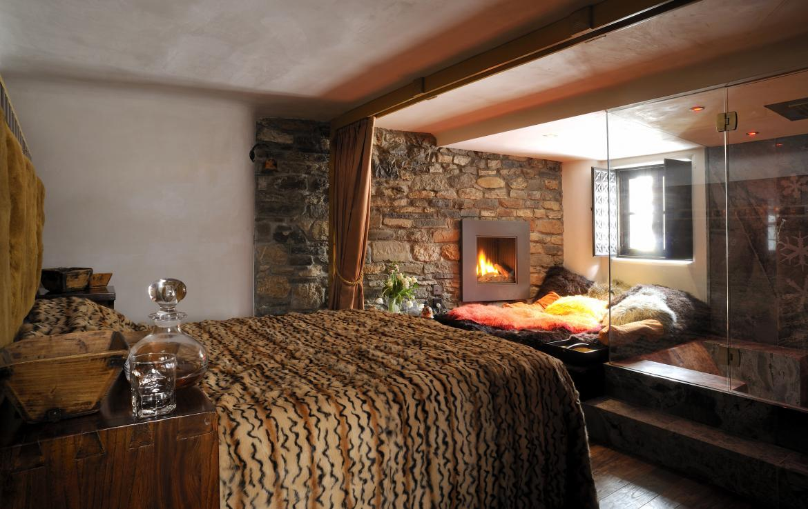 Kings-avenue-val-disere-snow-chalet-sauna-hammam-parking-ski-in-ski-out-fireplace-wellness-area-val-disere-019-8
