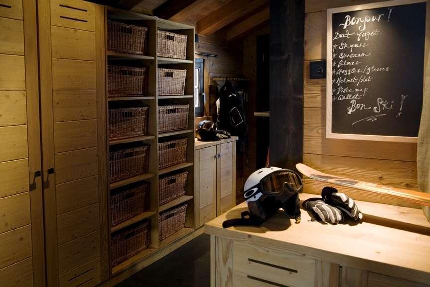 Kings-avenue-various-alpine-resorts-snow-chalet-sauna-outdoor-jacuzzi-childfriendly-hammam-les-4-vallees-001-13