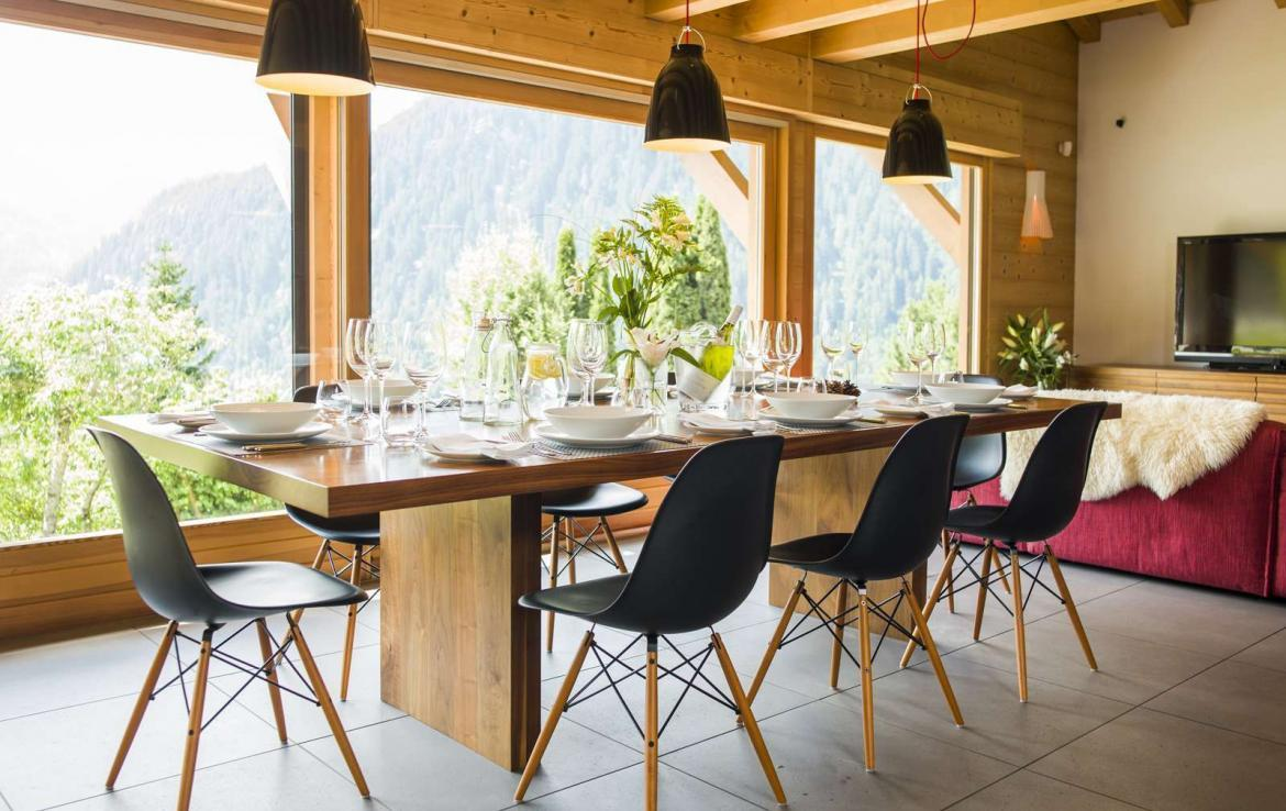 Kings-avenue-various-alpine-resorts-snow-chalet-wifi-childfriendly-parking-fireplace-garden-chatel-001-7