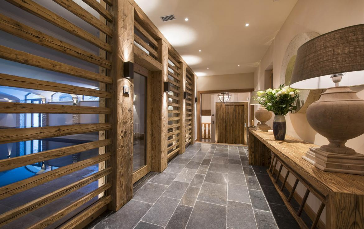 Kings-avenue-verbier-hammam-swimming-pool-childfriendly-parking-cinema-fireplace-terrace-hot-tub-games-room-bar-tv-area-verbier-007-10