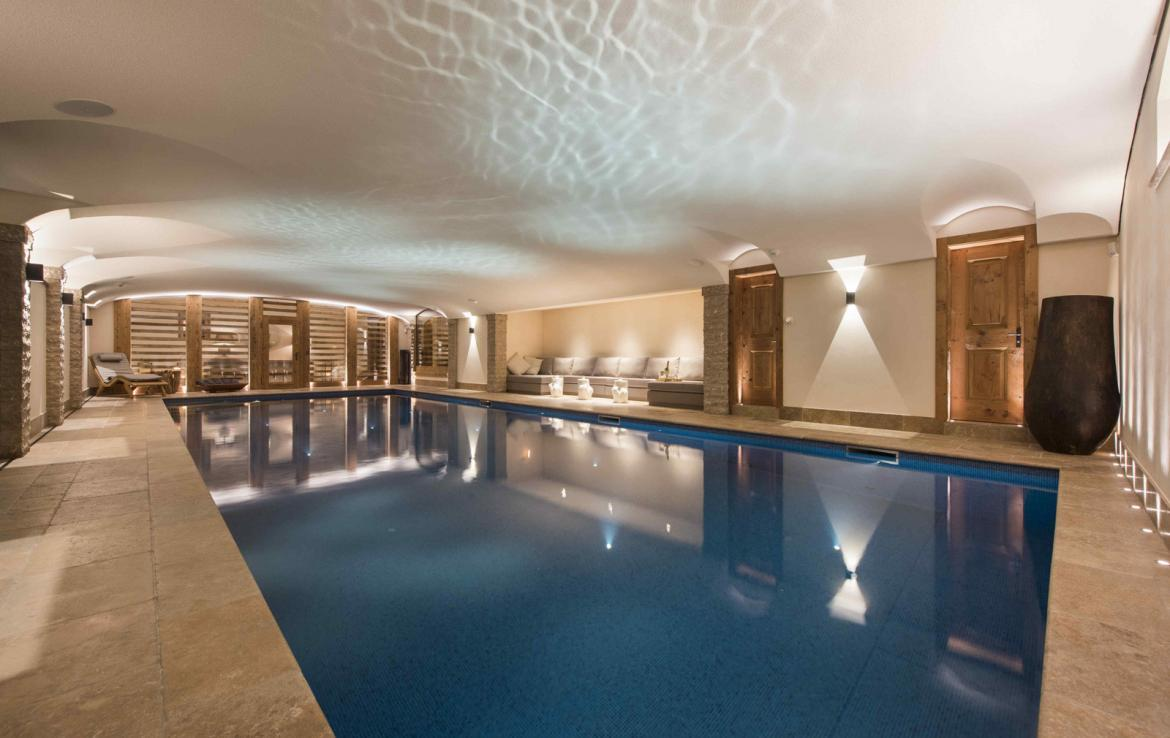 Kings-avenue-verbier-hammam-swimming-pool-childfriendly-parking-cinema-fireplace-terrace-hot-tub-games-room-bar-tv-area-verbier-007-11