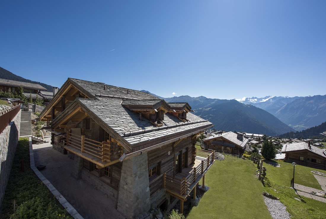 Kings-avenue-verbier-hammam-swimming-pool-childfriendly-parking-cinema-fireplace-terrace-hot-tub-games-room-bar-tv-area-verbier-007-2