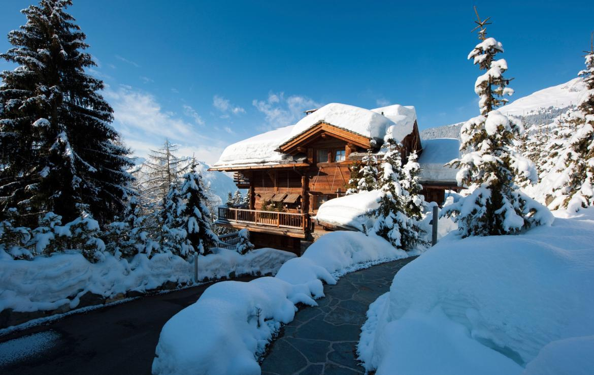 Kings-Avenue-Verbier-Sauna-Jacuzzi-Hammam-Swimming-pool-Childfriendly-Cinema-Parking-Boot-heaters-fireplace-Area-verbier-003