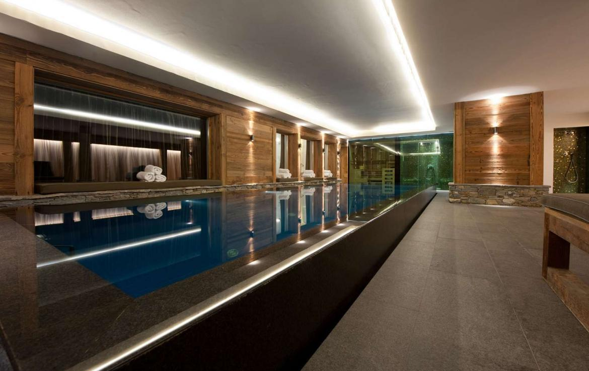 Kings-Avenue-Verbier-Sauna-Jacuzzi-Hammam-Swimming-pool-Childfriendly-Cinema-Parking-Boot-heaters-fireplace-Area-verbier-003-15