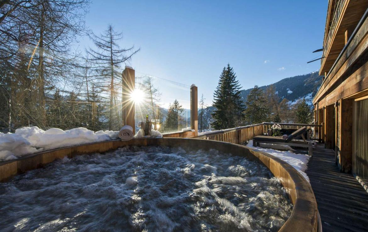 Kings-Avenue-Verbier-Sauna-Jacuzzi-Hammam-Swimming-pool-Childfriendly-Cinema-Parking-Boot-heaters-fireplace-Area-verbier-003-19