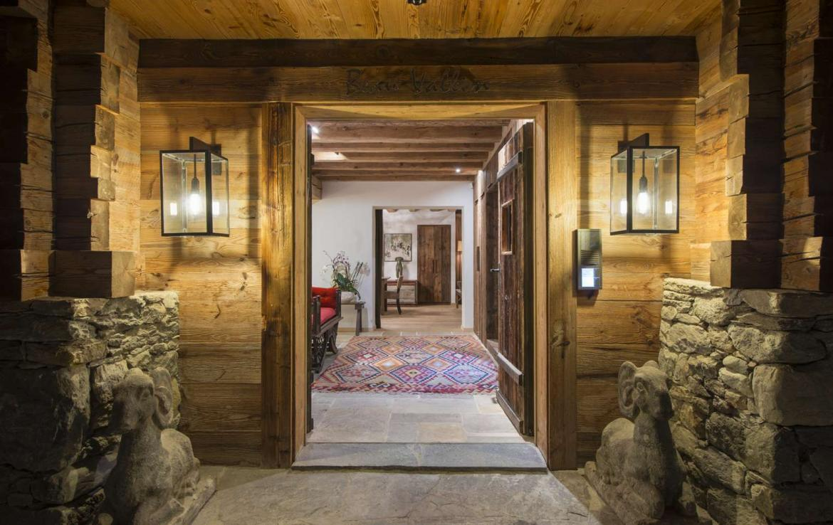 Kings-Avenue-Verbier-Sauna-Jacuzzi-Hammam-Swimming-pool-Childfriendly-Cinema-Parking-Boot-heaters-fireplace-Area-verbier-003-2