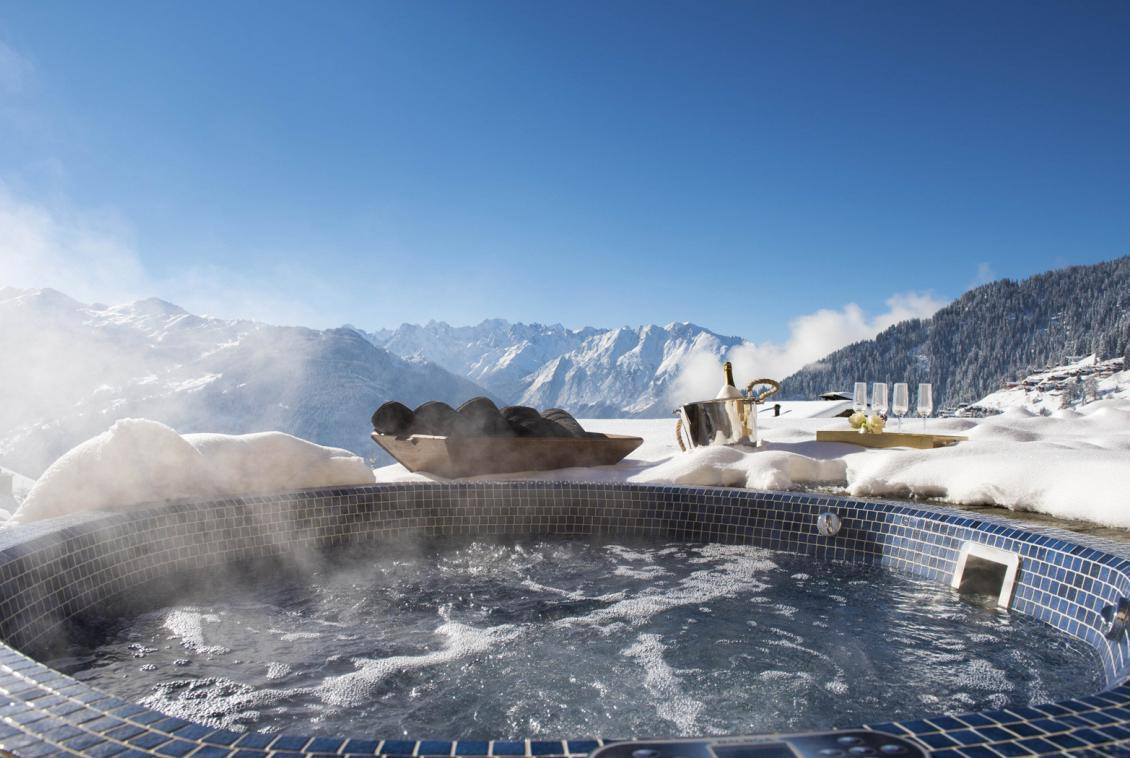 Kings-avenue-verbier-snow-chalet-hammam-cinema-boot-heaters-fireplace-swimming-pool-007-1