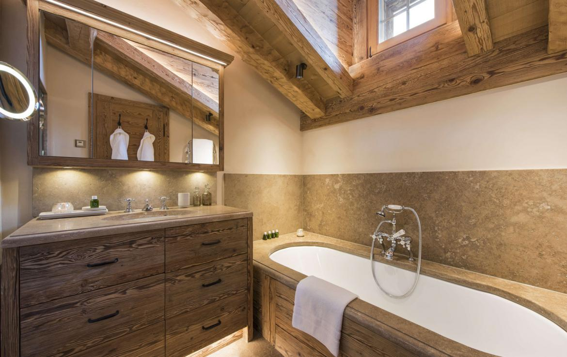 Kings-avenue-verbier-snow-chalet-hammam-cinema-boot-heaters-fireplace-swimming-pool-007-16