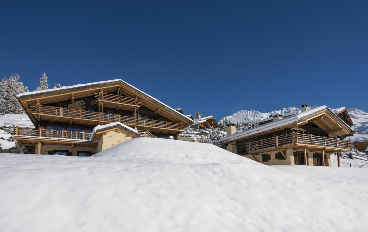 Kings-avenue-verbier-snow-chalet-hammam-cinema-boot-heaters-fireplace-swimming-pool-007-2
