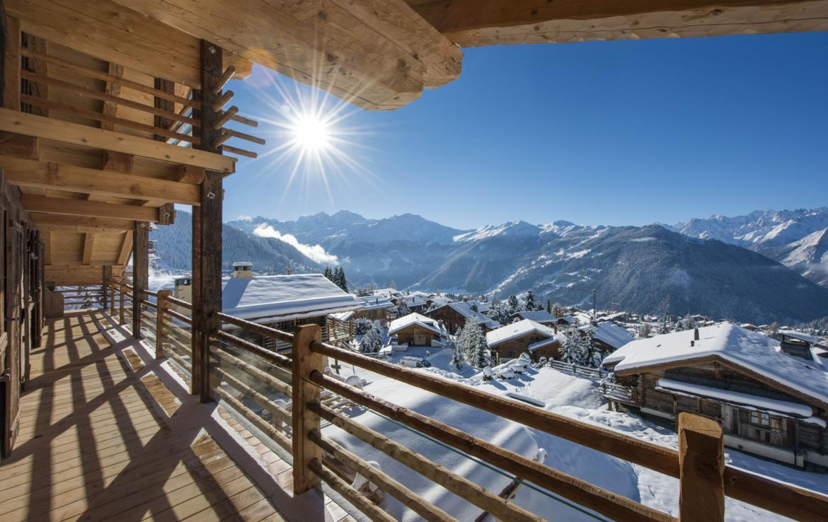 Kings-avenue-verbier-snow-chalet-hammam-cinema-boot-heaters-fireplace-swimming-pool-007-3