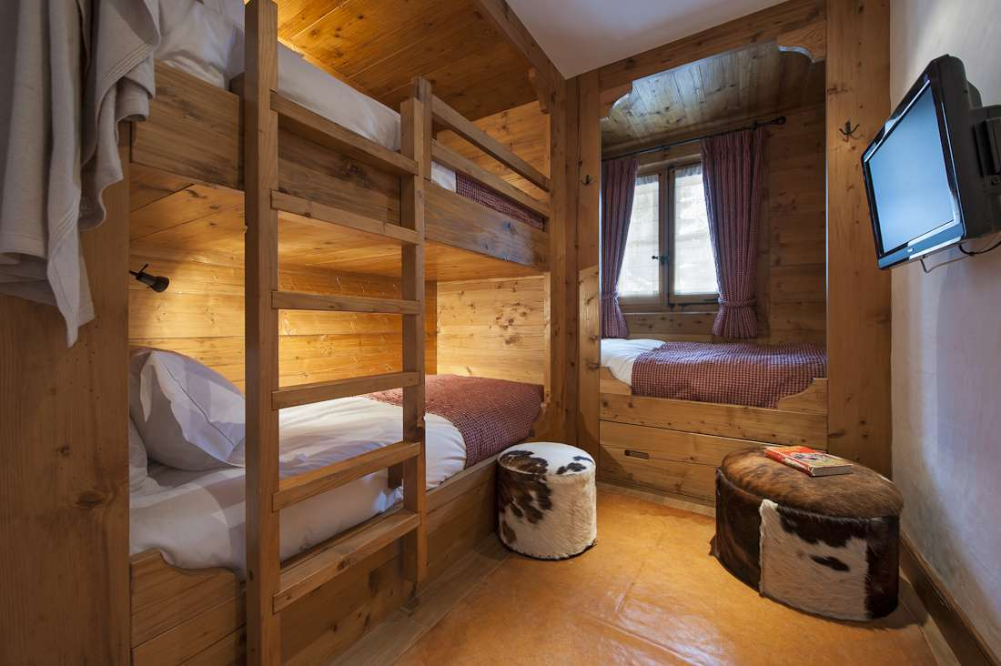 Kings-avenue-verbier-snow-chalet-hammam-swimming-pool-childfriendly-parking-cinema-026-21