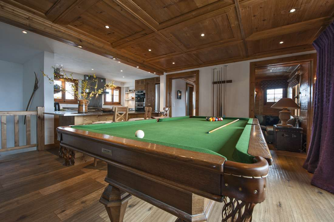 Kings-avenue-verbier-snow-chalet-hammam-swimming-pool-childfriendly-parking-cinema-026-8