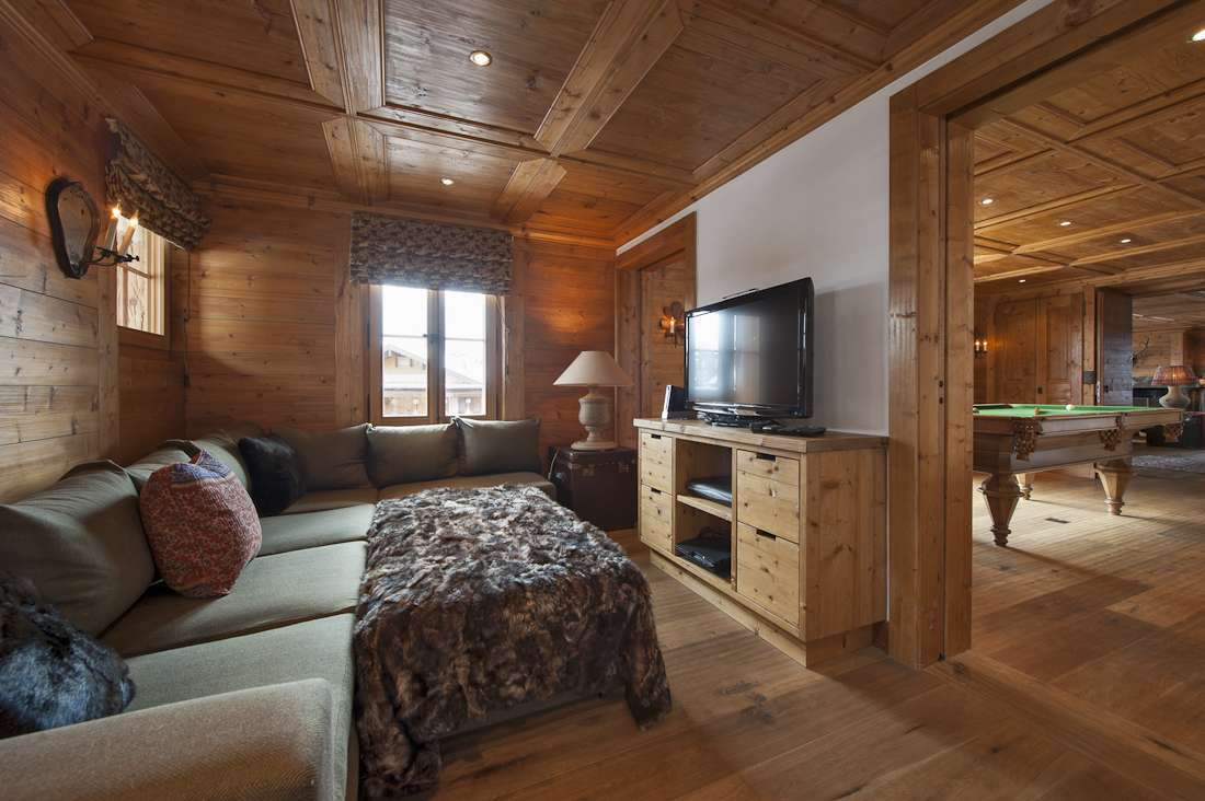 Kings-avenue-verbier-snow-chalet-hammam-swimming-pool-childfriendly-parking-cinema-026-9